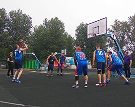 Команда «Сибиряка» выиграла турнир по уличному баскетболу